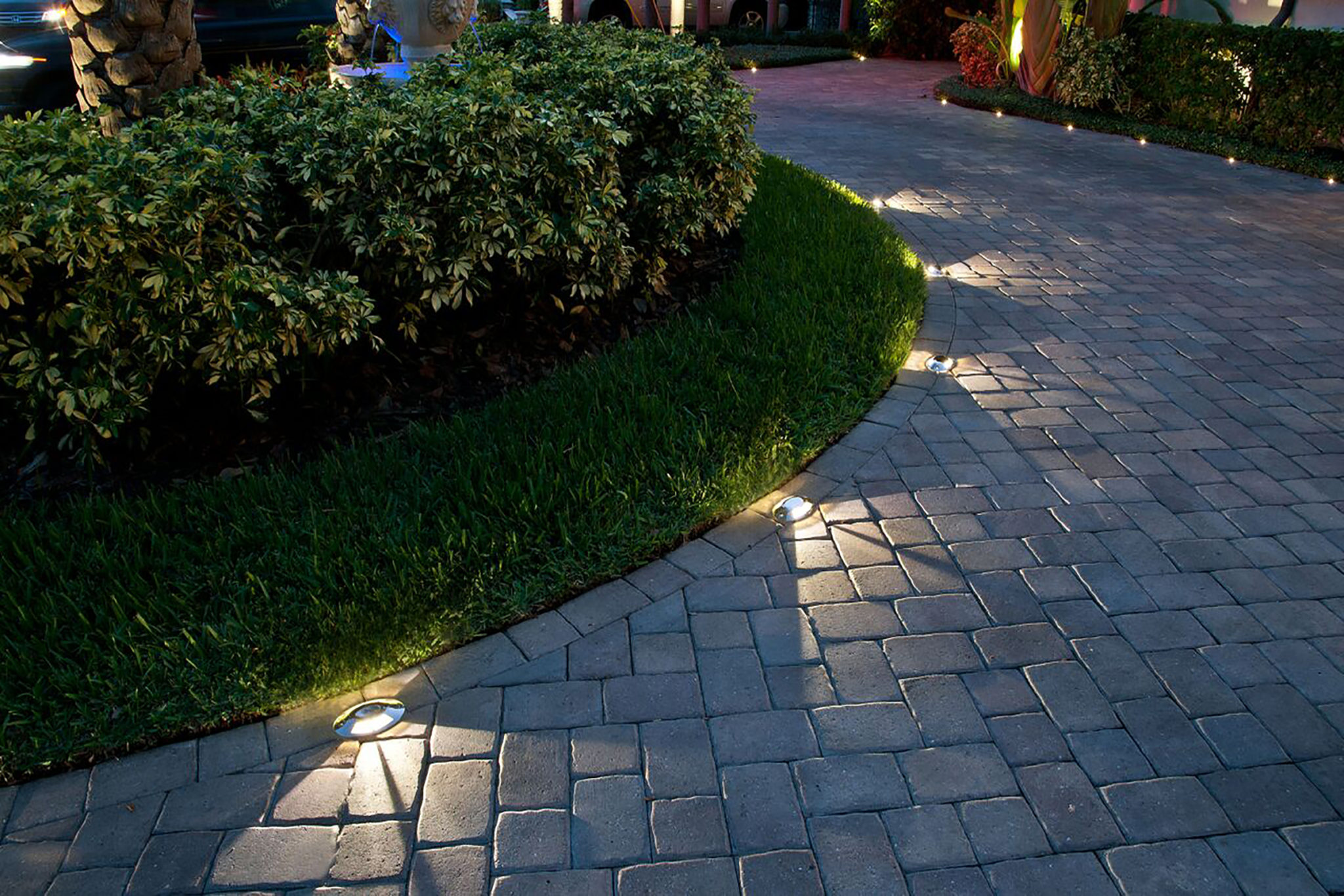 Landscape lighting design installation st louis dusk - How to design outdoor lighting plan ...